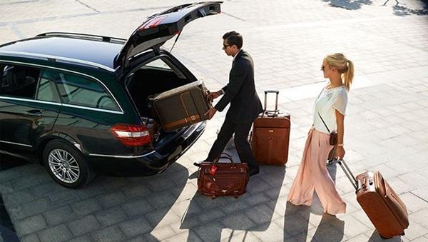 Dịch vụ cho thuê xe 4 chỗ đưa đón sân bay của ICC