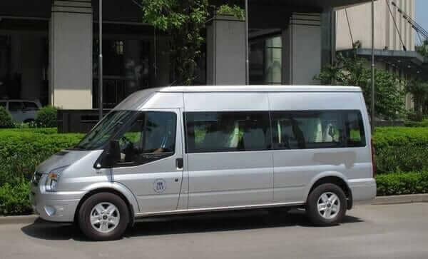 Xe 16 chỗ Ford Transit – thuê xe 16 chỗ đi Chùa Hương