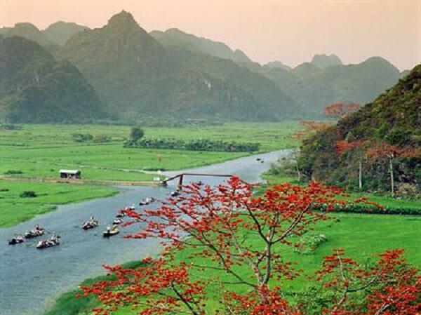 Vẻ đẹp của thiên nhiên Chùa Hương