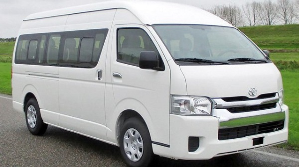 Xe 16 chỗ Toyota Hiace – thuê xe 16 chỗ đi Chùa Hương