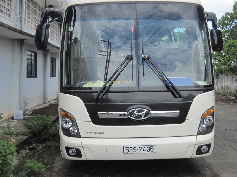 Xe 45 chỗ Hyundai Universe động cơ mạnh, đẳng cấp Châu Âu